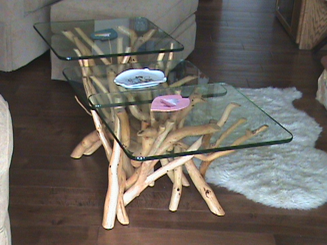 Three tiered tangled table .